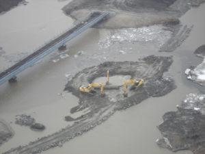 Строительство мостового перехода через реку Юрибей